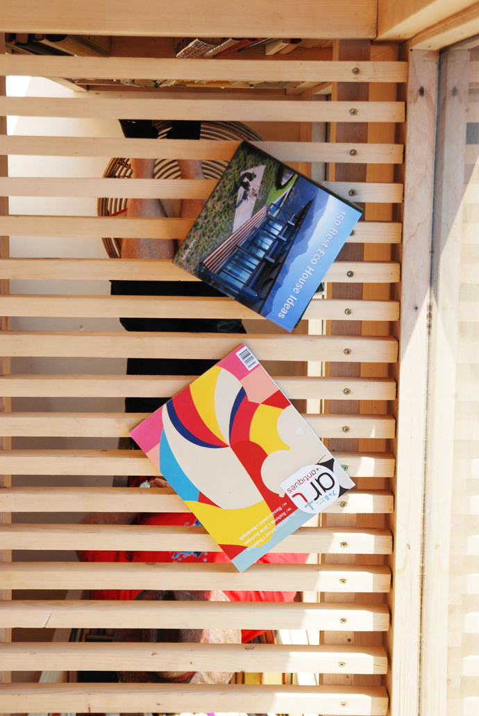 mini wooden house library (9)