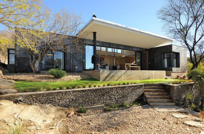 modern contemporary concrete house in namibia (11)