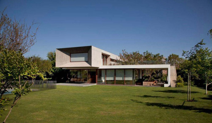 modern house in chile with cool design (10)