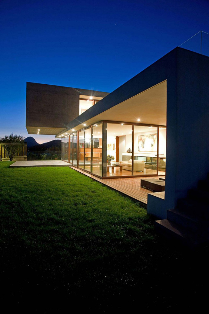modern house in chile with cool design (12)