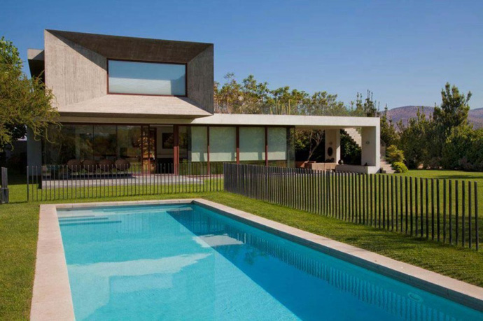 modern house in chile with cool design (3)
