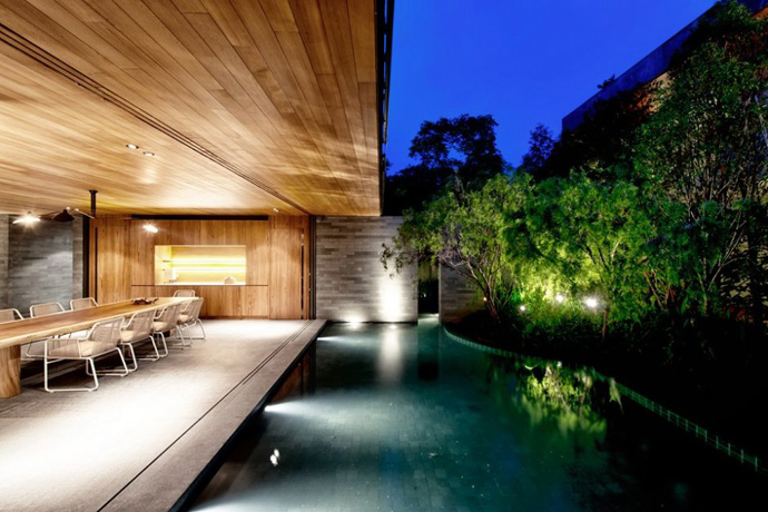 modern house with nature in singapore (10)