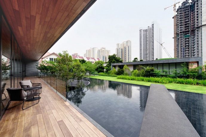 modern house with nature in singapore (18)