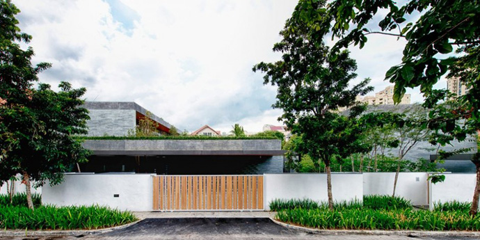 modern house with nature in singapore (7)