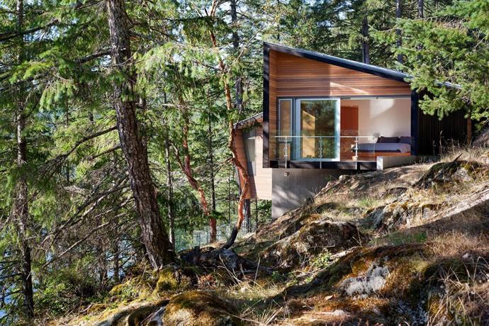 modern island house in canada (11)