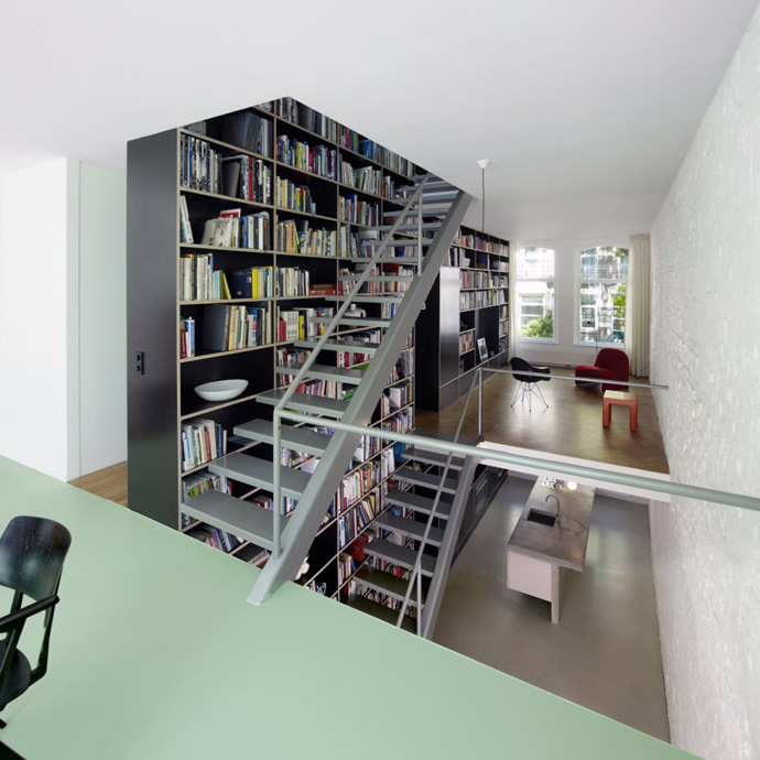 modern stair bookshelf in netherland house (2)