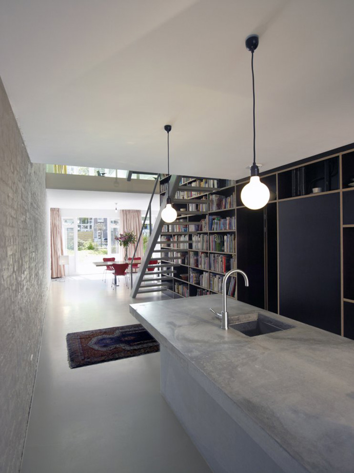 modern stair bookshelf in netherland house (6)