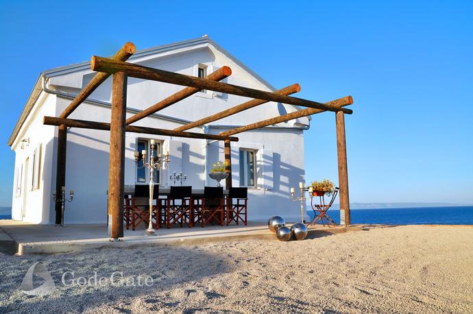 sea villa in croatia cottage classic (11)