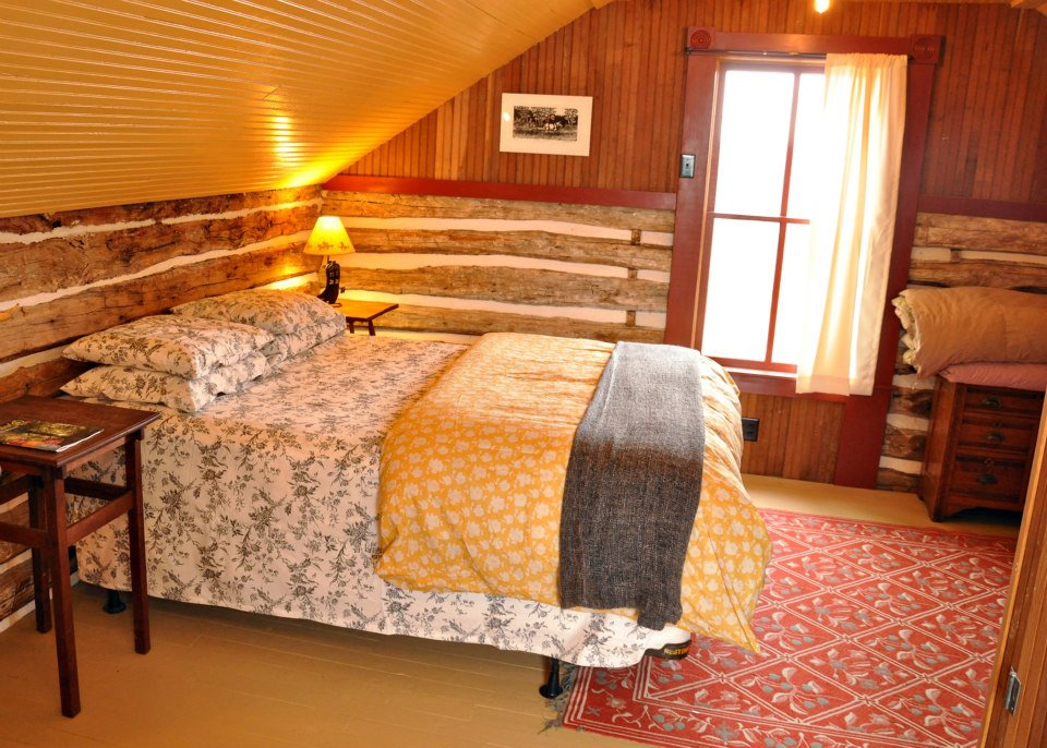 trout-river-log-cabin-9