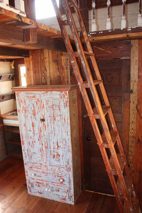 wooden house idea tiny cottage (11)