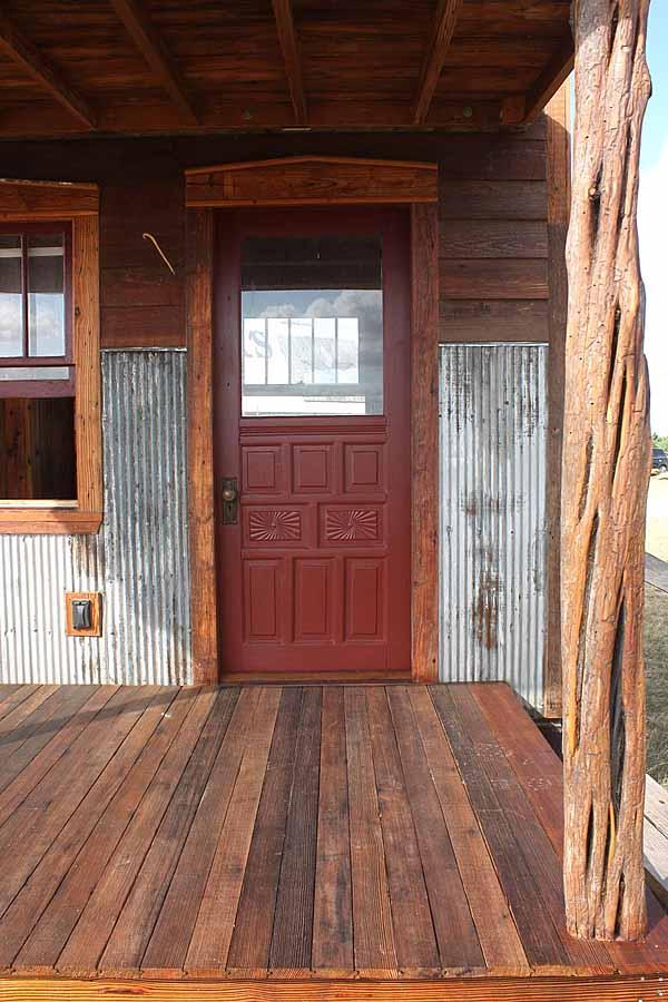 wooden house idea tiny cottage (3)