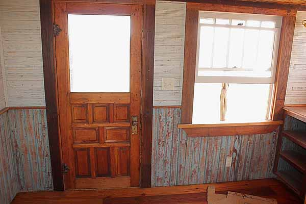 wooden house idea tiny cottage (5)