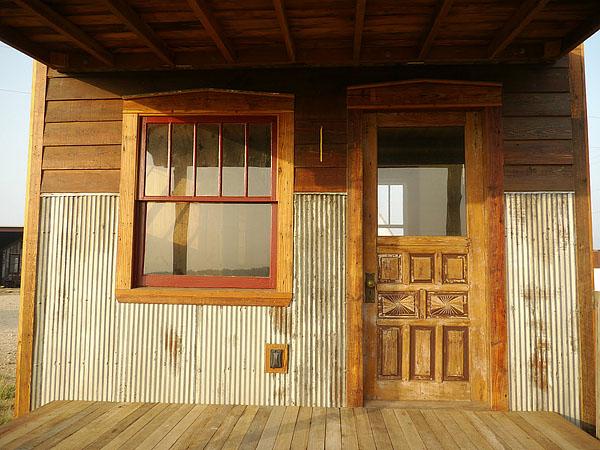 wooden house idea tiny cottage (6)