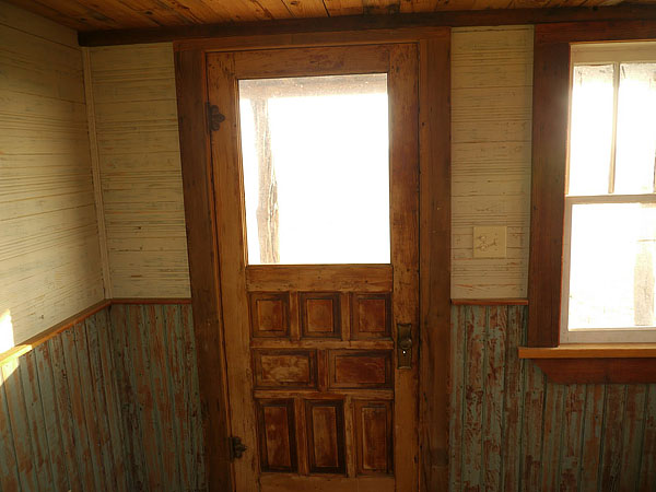 wooden house idea tiny cottage (7)
