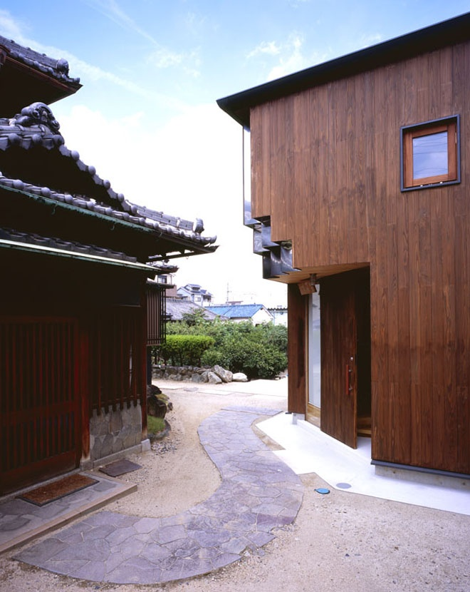 wooden house in osaka japan (3)