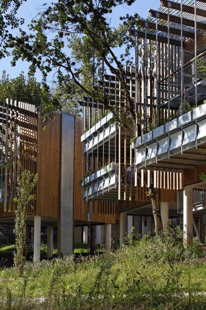 wooden mini garden housing in france (11)