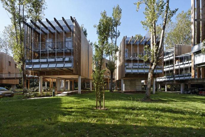 wooden mini garden housing in france (12)