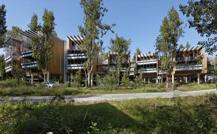 wooden mini garden housing in france (14)