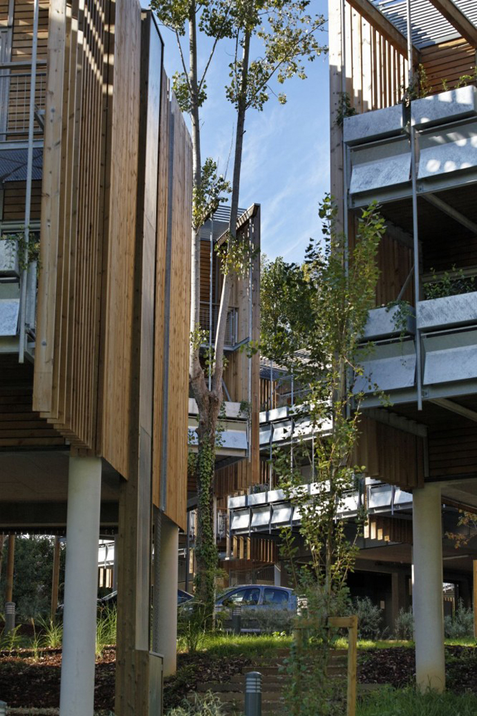 wooden mini garden housing in france (15)
