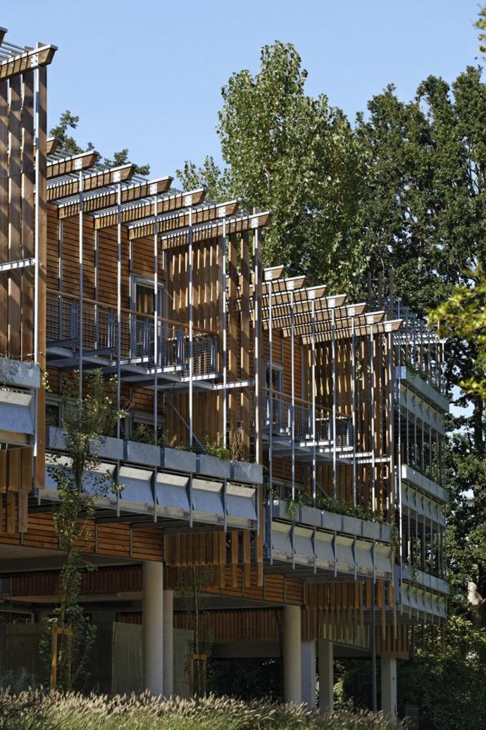 wooden mini garden housing in france (16)