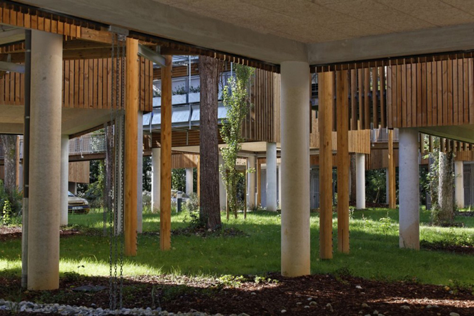 wooden mini garden housing in france (2)