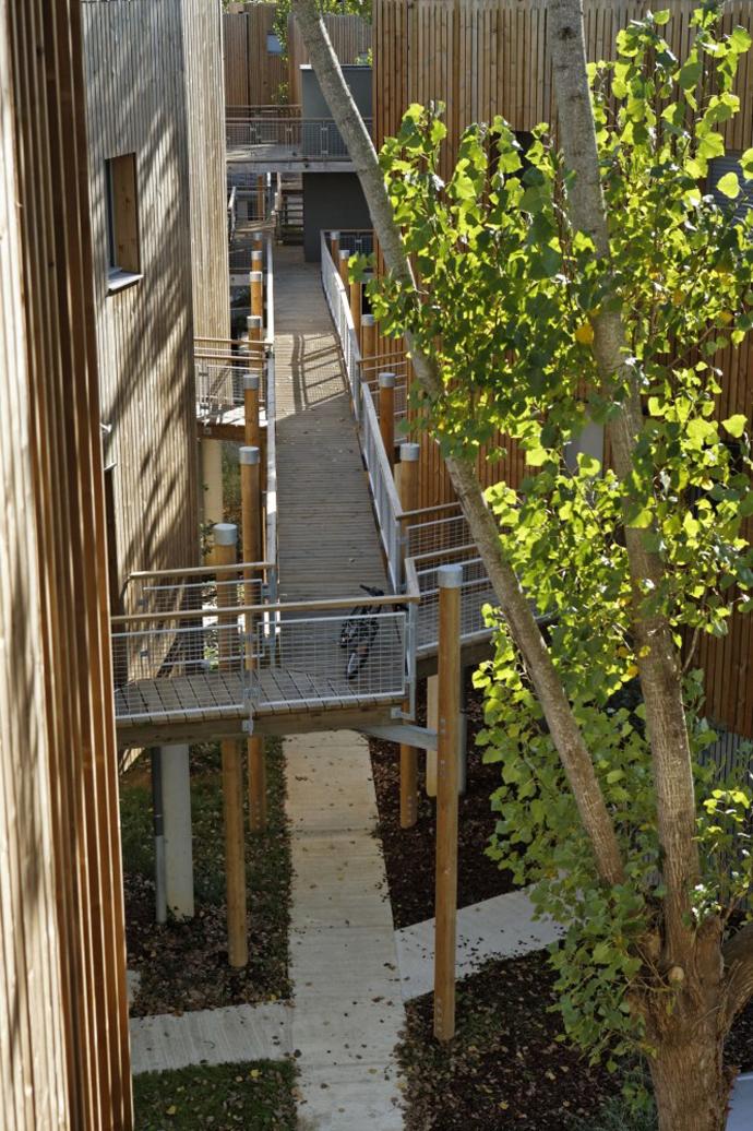 wooden mini garden housing in france (3)