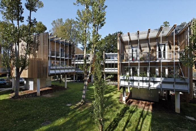 wooden mini garden housing in france (5)