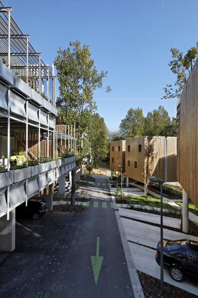 wooden mini garden housing in france (7)