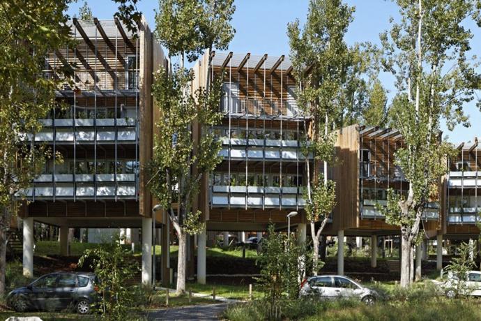 wooden mini garden housing in france (8)