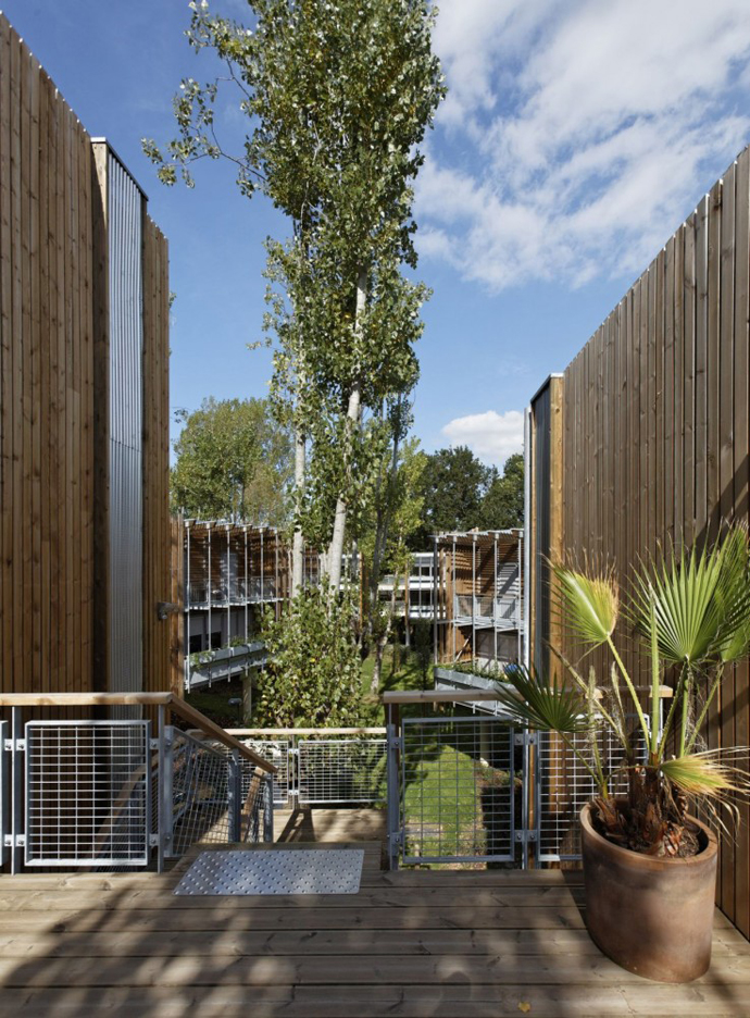wooden mini garden housing in france (9)