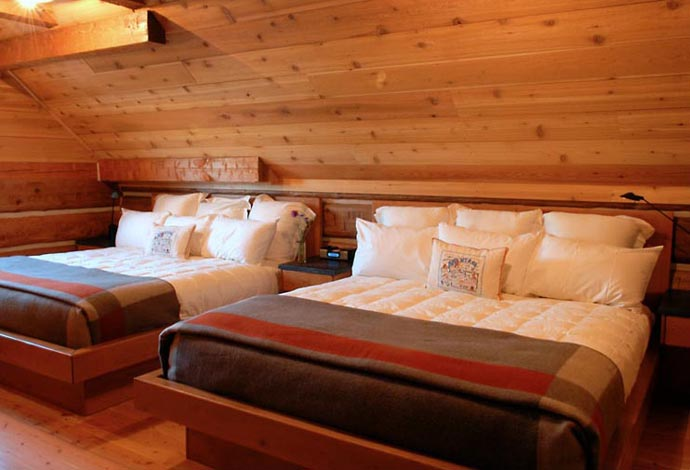 wooden wall interior decorating to warm your house (10)