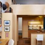 แต่งห้องคอนโดมิเนียมคอมแพ็ค 22 ตร.ม. ด้วยไม้ให้สีสันสวยงาม และใช้งานได้จริงจัง
