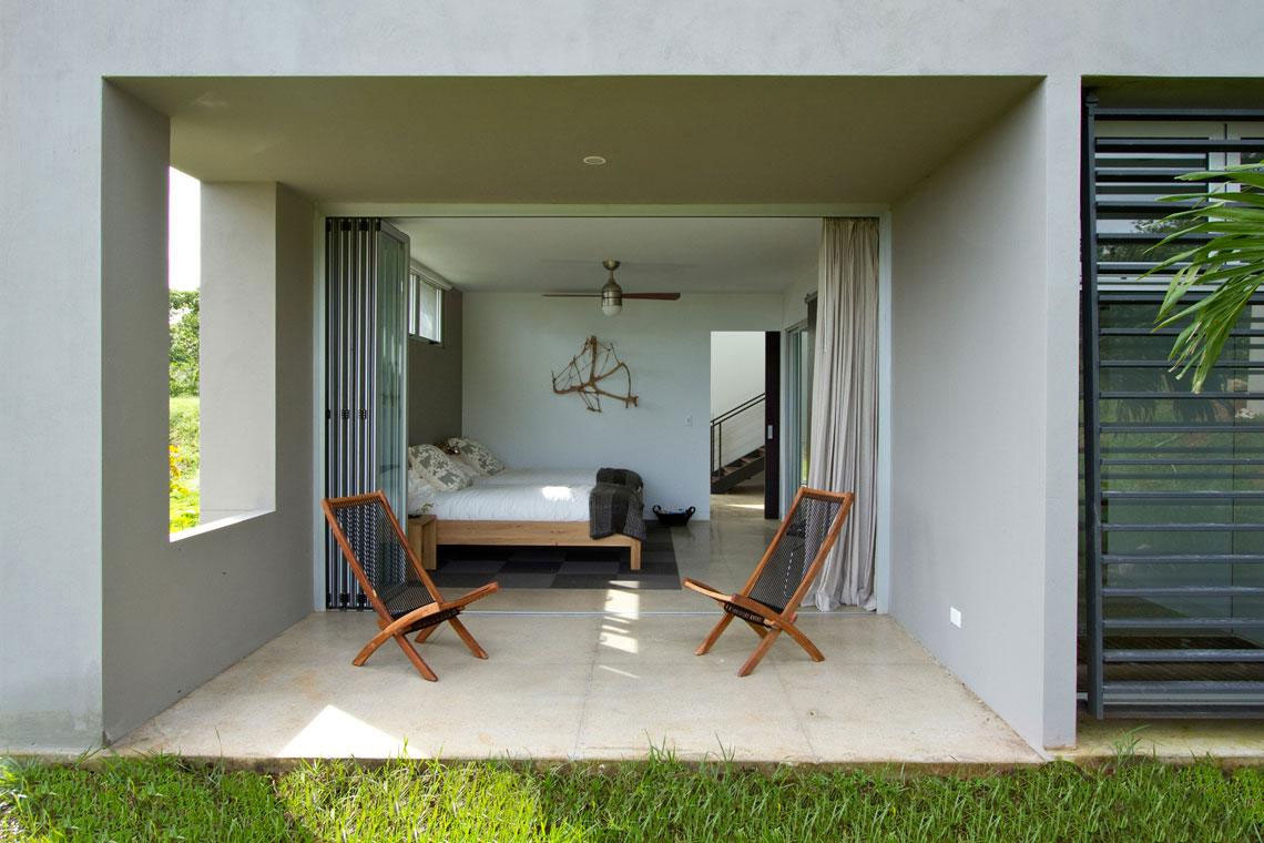 Bedroom-with-Twin-Bed-at-Luxury-Vacation-Home-in-Costa-Rica-Black-Beauty-Tierra-Villa