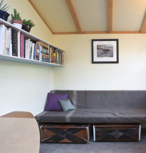 Cozy-Wall-to-Wall-Sofa-with-Steel-Tube-590x617