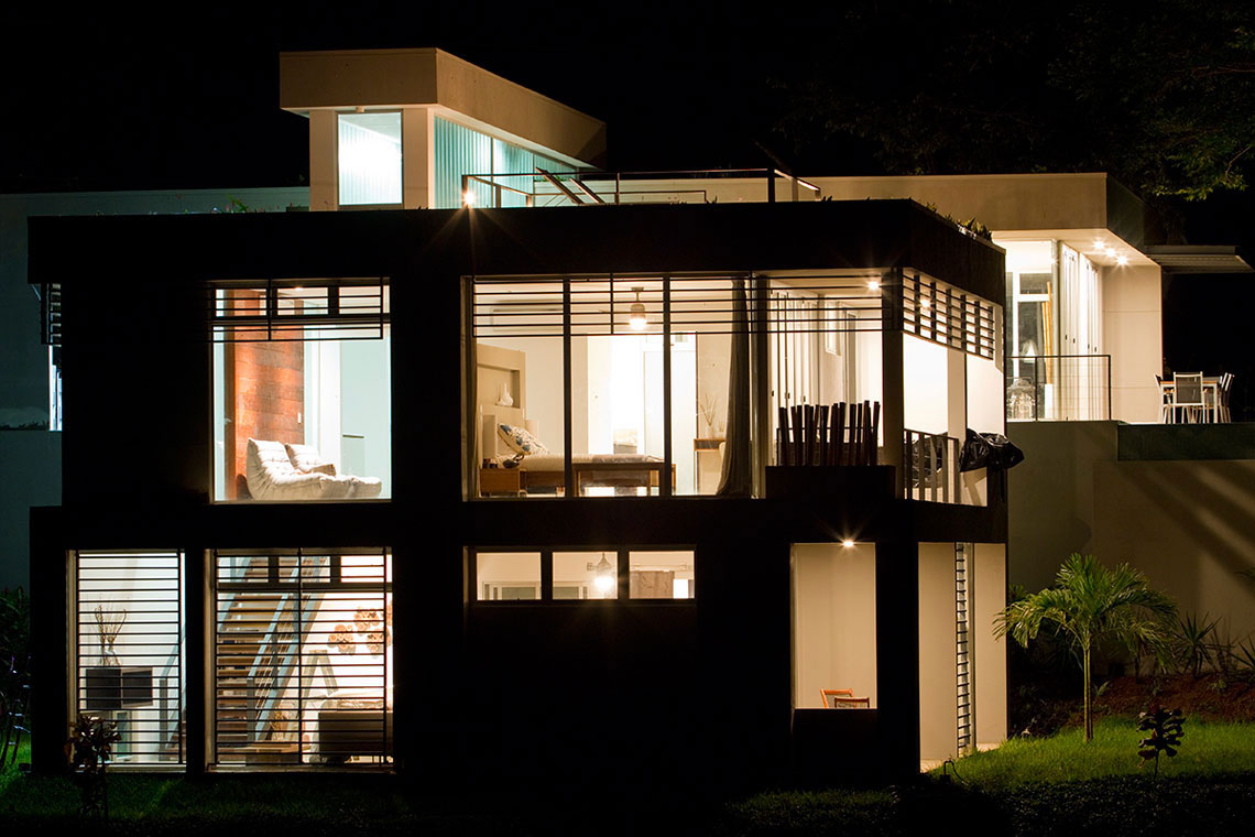 Night-View-at-Vacation-Home-in-Costa-Rica-Black-Beauty-Tierra-Villa