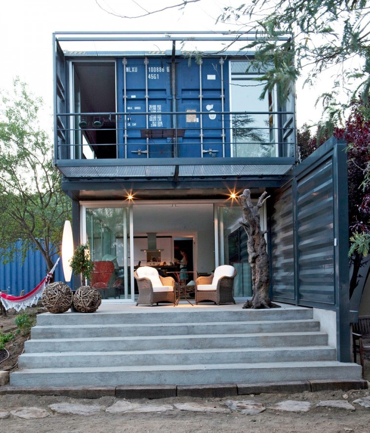 blue container house in spain (5)