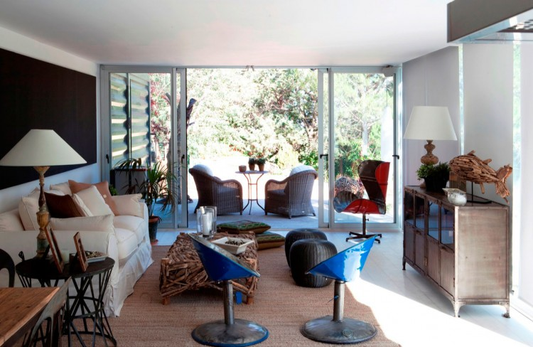 blue container house in spain (6)