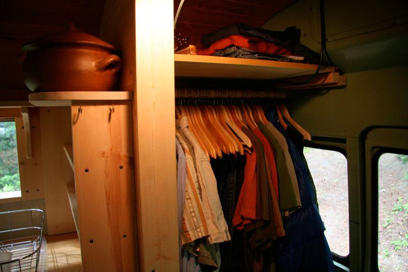 bus_closet