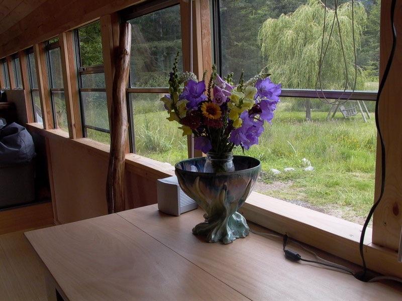 bus_flowers