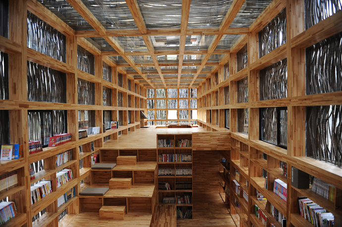 china library natural wooden loft (10)