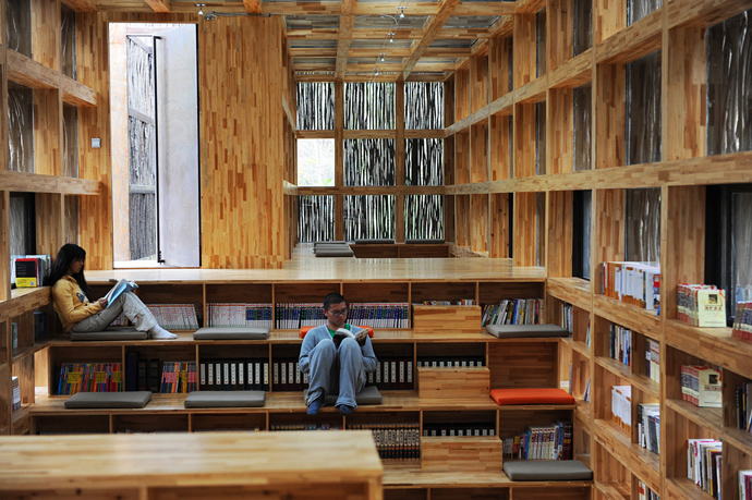 china library natural wooden loft (8)