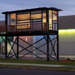 แบบบ้านทรงใต้ถุนแนวโมเดิร์น สร้างจากตู้คอนเทนเนอร์ ตกแต่งโล่งตาทันสมัย