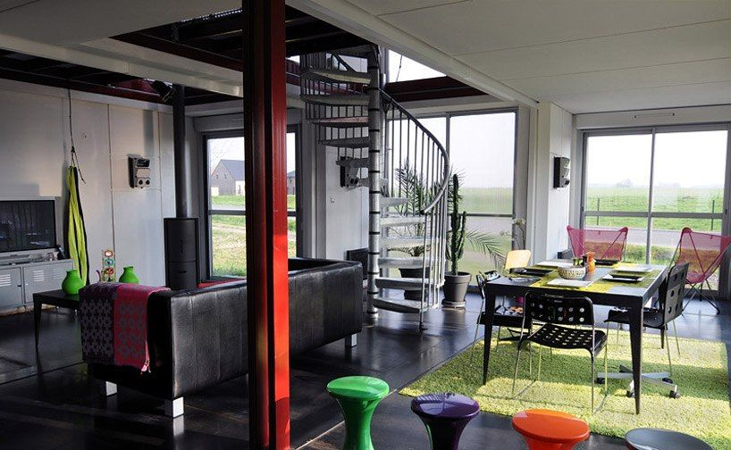 container house red vivid (14)