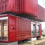 บ้านสองชั้นจากตู้คอนเทนเนอร์ ตกแต่งสีสันสดใส ภายในดูโปร่งโล่งสบาย