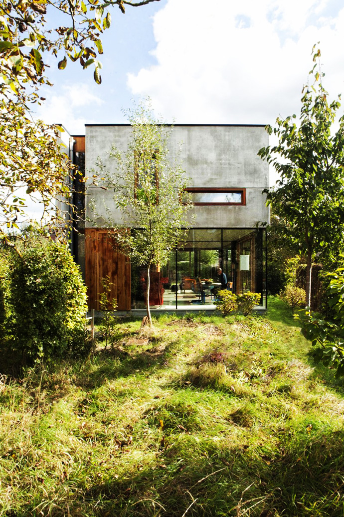 contemporary concrete house (13)