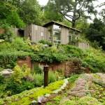 แบบบ้านชั้นเดียวรูปทรงเรียบง่าย โดดเด่นด้วยหลังคาโค้ง และความเป็นธรรมชาติในทุกมุม