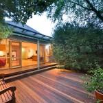 บ้านชั้นเดียว พร้อมกับพื้นที่พักผ่อนสบายๆ สำหรับรูปแบบชีวิตเรียบง่ายและเป็นสุข