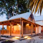 แบบบ้านสไตล์คันทรีอายุกว่า 100 ปี รีโนเวทให้เป็นบ้านใหม่ เพิ่มความโมเดิร์นทันสมัย