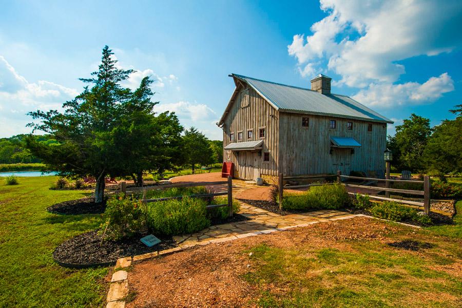 greenville-barn-home-1