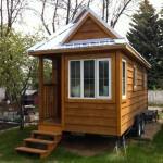 บ้านขนาดเล็กจิ๋ว สร้างเป็นกระท่อมไม้แบบน่ารัก ในงบสบายกระเป๋าคนเงินน้อย